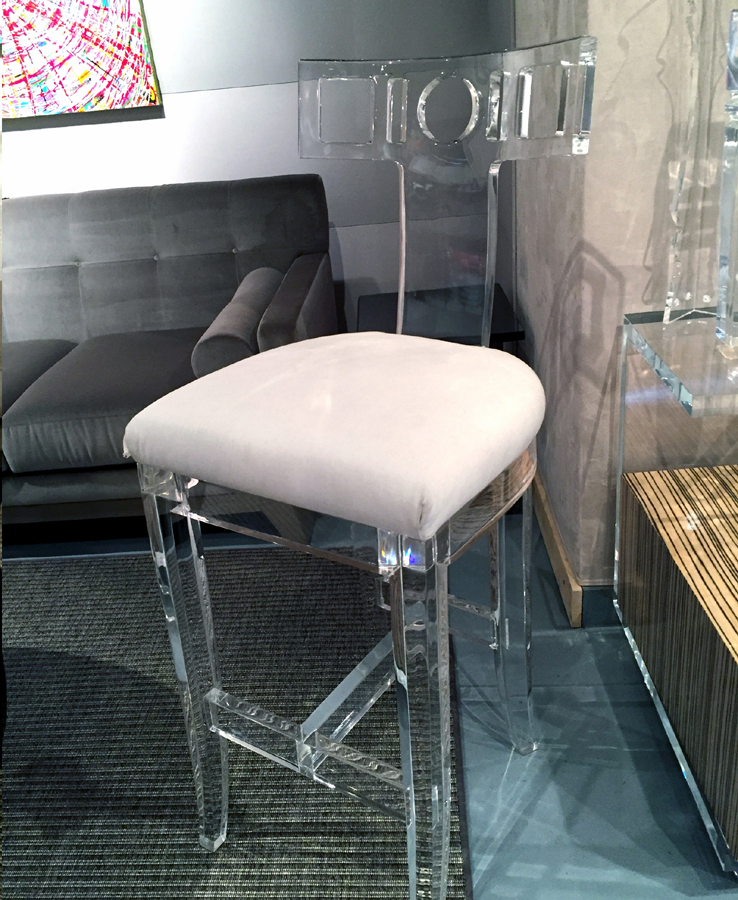 LADY MENDL BAR STOOL