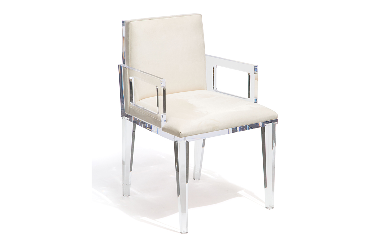 WELLINGTON CHAIR WITH ARMS